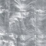 Powierzchnia metalizowana płatkami w kolorze srebra